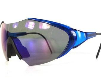 vintage 80s deadstock shield razor blade style sunglasses oversized wrap around robot space bug clear blue plastic lightweight black b105