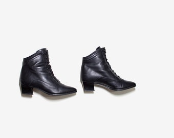 Vintage Ankle Boots 6.5 / Black Leather Boots / Leather Ankle Boots / Ankle Boots Women / Lace Up Booties