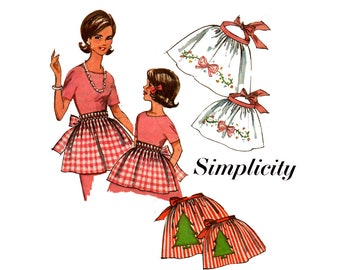 Simplicity 5228 Mother and Daughter Aprons 60s Vintage Sewing Pattern with transfers ONE SIZE