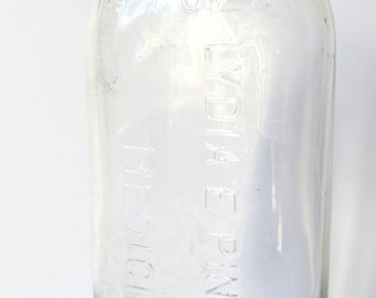 VINTAGE - Lydia E. Pinkham Glass Medicine Bottle