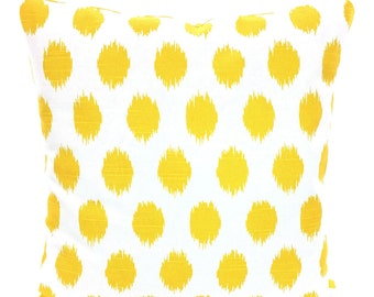 Yellow Chevron Pillow Cover, Decorative Throw Pillows, Cushion Covers, Corn Yellow White Chevron Zig Zag, Couch Bed, One or More ALL SIZES