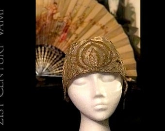RARE 1920s Gold Lamé Evening Cloche with Bullion Wire Embroidery and Diamanté. Unworn. Made In France. Collectible. Flapper. Jazz Age.
