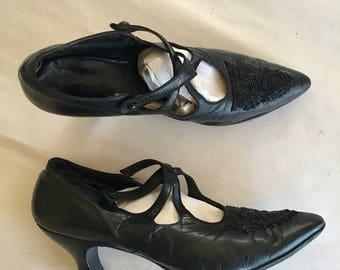 vintage 1920s leather shoes- ONYX black beaded pumps / sz 6.5 - 7
