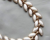 Vintage 1950's CROWN TRIFARI Poured White Milk Glass Leaf Choker Necklace