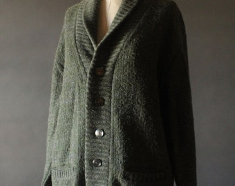 Vintage 50's/60's Olive Green Knit Lambswool Mohair Button Up Fold Over Collar Cardigan Sweater by Pebble Beach of California, size 44