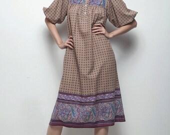 cotton boho dress 1970s paisley trimmed peasant dress brown purple puffed sleeves SMALL MEDIUM S M