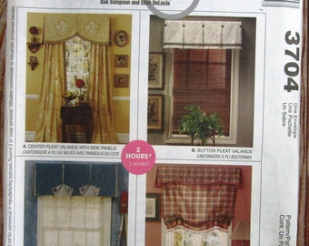 Window Valances and Shades in Four Styles: Button Pleat, Center Pleat, Roman Shade, Sports Valance McCalls Home Dec Pattern 3704 UNCUT