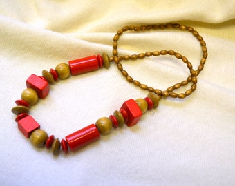 1980s Red and Brown Wooden Bead Necklace