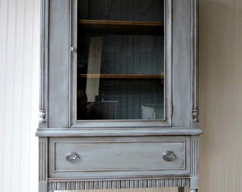 Gray Hutch Cabinet~1940's Vintage~ SHIPPING ISN'T INCLUDED