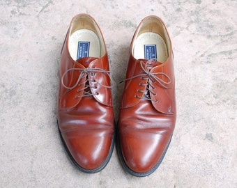 Vintage Mens 9.5 Bostonian Impressions Lace Up Leather Brown Rust Sienna Chili Cap Toe Brogues Oxfords Wingtips