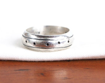 Mens Ring Band Size 8 .75 Sterling Silver Vintage Mexican Jewelry Dot Rivet Pattern Gift for Him