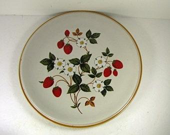 Vintage STRAWBERRIES n CREAM DiNNER PLATE Set/2 Sheffield Strawberry Red Berry