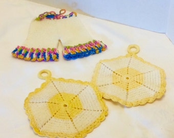 Vintage Hand Crochet Bloomers and Circles Pot Holders Set old Three