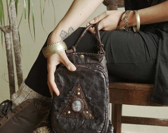 On SALE⎜MIDNIGHT WHISPER 002⎜ Dark Brown leather shoulder bag with mooss agate gemstone⎜Boho bag⎜Crossbody bag⎜Tribal bag⎜Festival bag