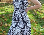 Vintage Ladies Black and White Floral Print Dress by Croft & Barrow Size 12 Only 11 USD