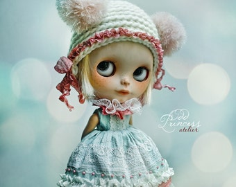 Blythe Helmet SWEET BEAR WHITE By Odd Princess Atelier, New Hand Knitted Collection