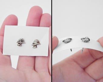 MUSHROOM Stud Earrings 1990s Sterling Silver Trippy Acid Hippie Mycology