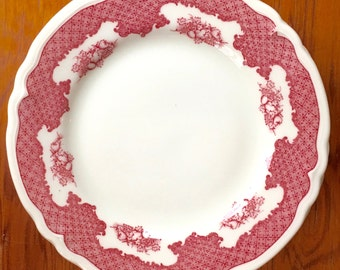 Dessert Plate, Red Grapes and Lattice with a Scalloped Edge, Winchester by Shenango ca. 1960s