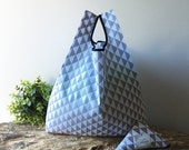 Geometric tote bag handmade in cotton with triangle gray and white / reusable grocery bag capacious and foldable / lunch bag / doggy bag