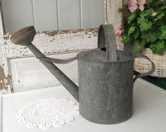 Vintage Watering Can ~ Galvanized Watering Can ~ Rustic Décor ~ Primitive Metal Can ~ Vintage Gardening ~ Farmhouse Antiques