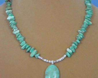 "Lovely 18"" Turquoise Pendant Necklace - N526"