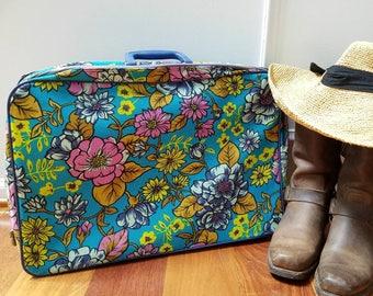 Vintage Blue Turquoise Floral Fabric Bantam Suitcase / Vintage Overnight Bag / Hippie Style / Bohemian / Vintage Travel / Road Trip