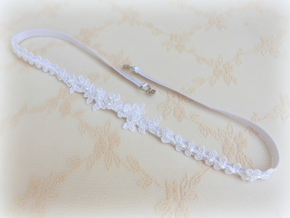 White floral lace belt. Elastic waist belt. Beaded belt. Embroidered belt. Thin lace belt. Skinny stretch belt. Bridal belt. Bridesmaid belt