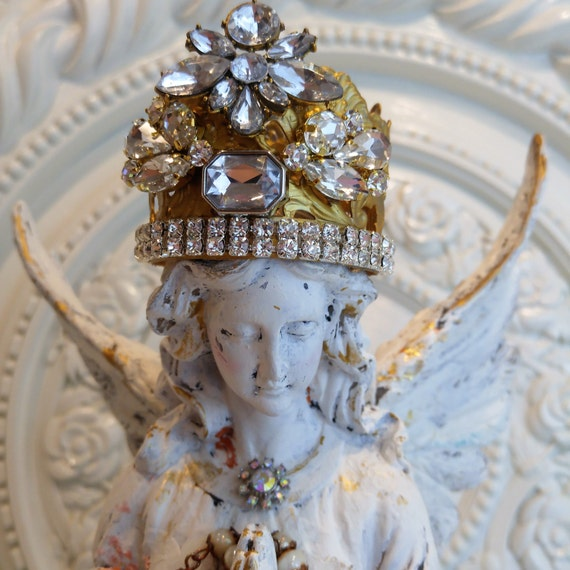 Gorgeous White Chippy Nordic Angel Statue Distressed rhinestONe CroWn lace Statue !