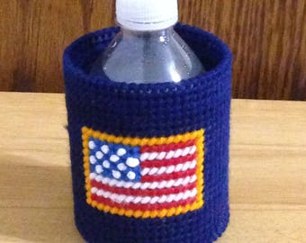 Can & Bottle Can Cooler, Plastic Canvas, American Flag, Patriotic Gift,  Needlepoint Gift, Gift for Him, beverage insulator