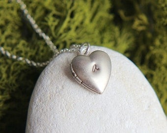 Heart Locket Necklace, Personalized Locket, Heart Locket, Initial Locket necklace, Tiny Locket Necklace, Silver Locket Heart, Heart Necklace