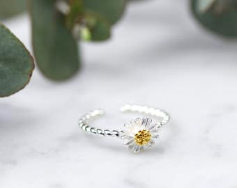 Sterling Silver Daisy Ring • Adjustable Ring • Sterling Silver Ring • Silver Flower Ring • Spring Jewellery • Daisy Jewellery • Flower Girl
