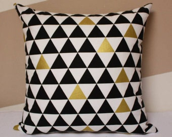 Black and white pillow - black white gold triangle pillow. Modern baby Nursery decor,black and white theme pillow, baby pillow