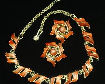 Red Thermoset Necklace and Earrings Set Vintage