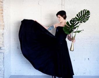 Midnight Blue Velvet Strapless Gown 1980s Ann Taylor