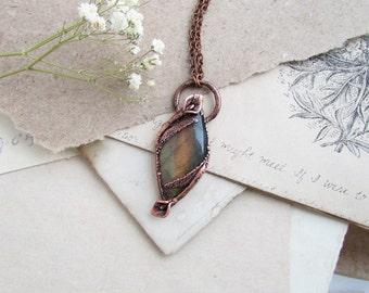 Calla Lily Necklace, Labradorite Pendant, Flower Crystal, Rustic Jewelry, Floral Boho Necklace, Labradorite Copper, Electroformed, Bohemian