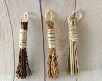 Dolls House Miniature Small Garden Brush - Handmade