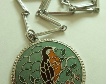 Vintage 1977 Sarah Coventry  Enamel Bird Medallion Necklace