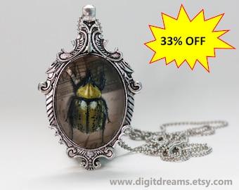 Ma20: Lemon-Color Beetle antique style pendant/keychain