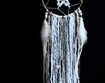 4'' white dreamcatcher with a crochet snowflake | Home decor |