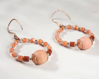 Colourful hoop earrings, Beaded hoop earrings, Wood glass beading, Peach red pink, Gypsy hoop earring, Festival earring, Medium hoop earring