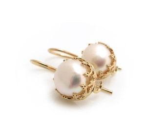 White Pearl Earrings, Gold Earrings, Pearl Earring, White Bridal Earrings, Bridesmaid Gift, White Pearls, Dangle earrings, Gift for Her