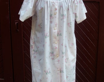 Vintage 1980's Love Lines Pink Flowered Cotton Smock / Hospital Gown / Dressing Robe / Night Gown