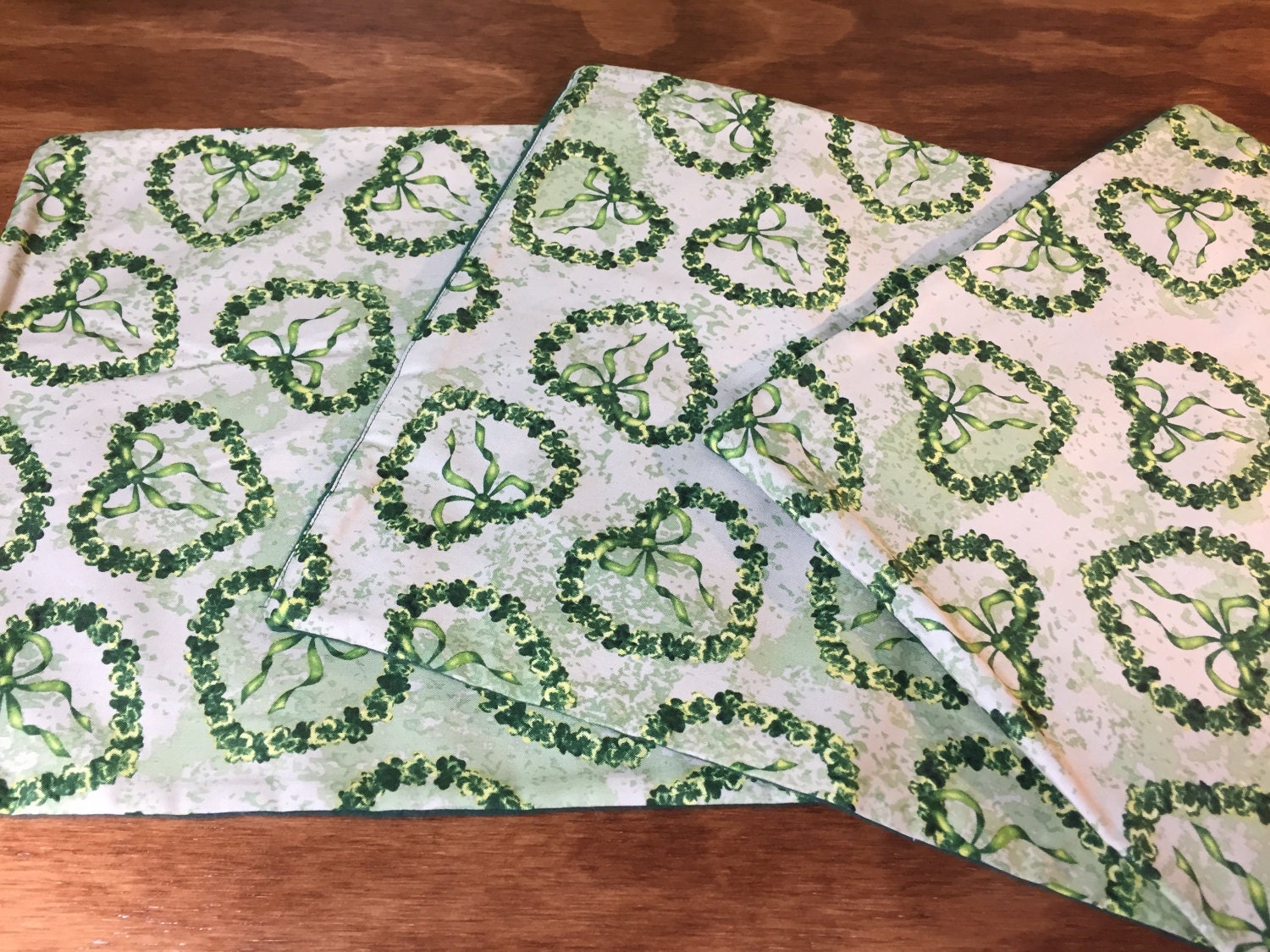 Green placemats small placemats green mug rugs heart for Small square placemats