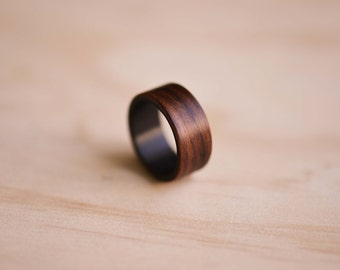 Santos Rosewood & Carbon Fiber Bentwood Ring