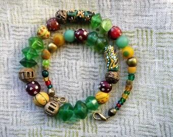 african beads // glass beads // eye beads // krobo glass beads