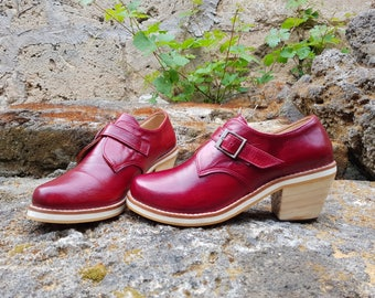 Leather Bordeaux with wooden block shoes. Painted and handmade. Homegrown.