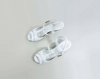 Vintage White Shoes 80s White Maryjane Vintage White Sandal Leather Kitten Heels 80s White Sandal Slingback Sandal Peep Toe Sandal size 7