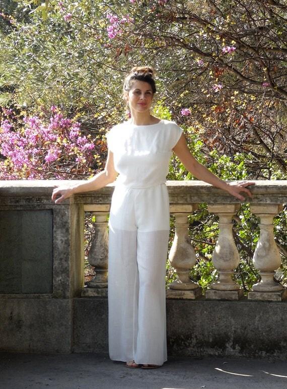 Pantalon large en voile de lin, laine et viscose. Blanc écru pour les jours d'été ou pour une cérémonie de mariage