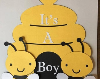 Bee Hive and Bee Baby shower sign. It's a Girl or It's a boy. You pick! Great for baby showers. Free Shipping