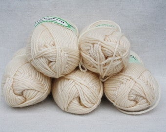 Wool yarn Knitting yarn Beige ivory 5 skeins Handicraft Knitted supplies Soft wool yarn Crochet yarn Bulky yarn Craft supplies Sweater yarn